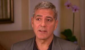 Počasni Cezar Džordžu Kluniju