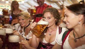 Novosadski oktoberfest - sve spremno za pivo, kobasice i perece