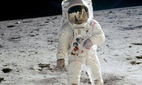 Retke fotografije astronauta na Mesecu na aukciji