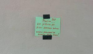 FOTO: Molim! Ne pišite po zidu