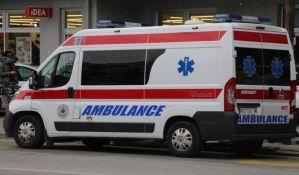 Troje povređeno u udesima u centru i Petrovaradinu, među njima maloletnik