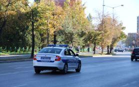 Ukrao cigarete u Futogu, bežao od policije do Beograda i usput probio rampu