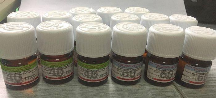 FOTO: Na Batrovcima zaplenjeno 15 bočica metadona