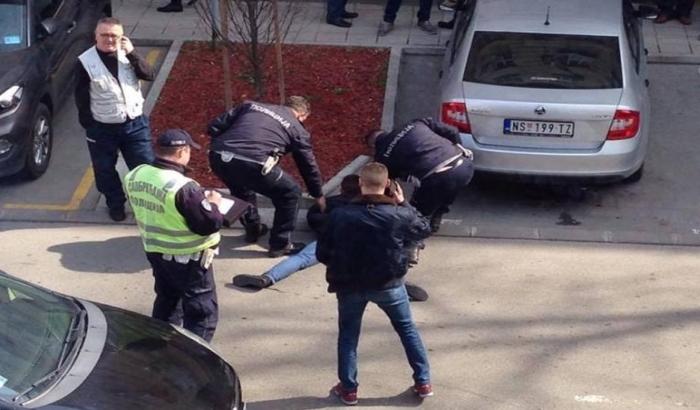 FOTO: Udario saobraćajca zbog opomene da pomeri vozilo, tužilac podigao krivičnu prijavu