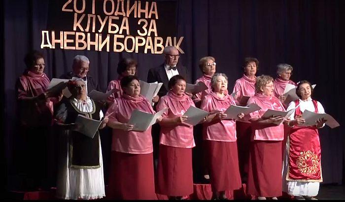 Novi Bečej: Klub za dnevni boravak penzionera obeležio 20 godina