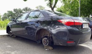 FOTO: Još jedan automobil ostao bez točkova, ovaj put na Limanu