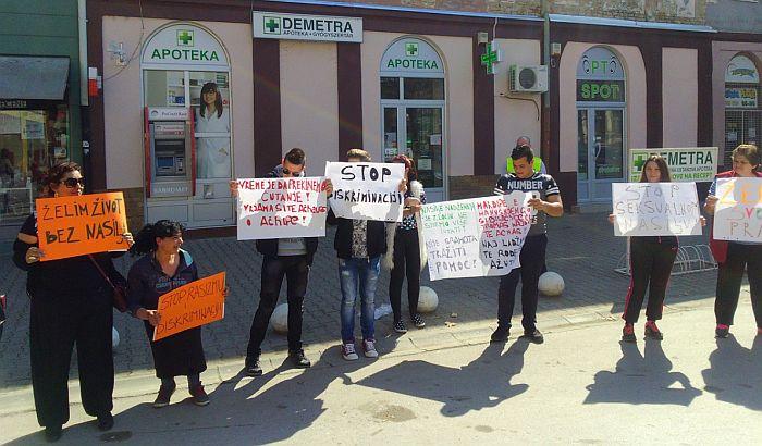 Novi Bečej: Uličnim maršom obeležen Međunarodni dan borbe protiv rasizma
