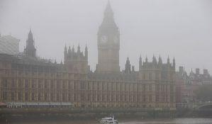 VIDEO: U Londonu zbog guste magle otkazano 100 letova