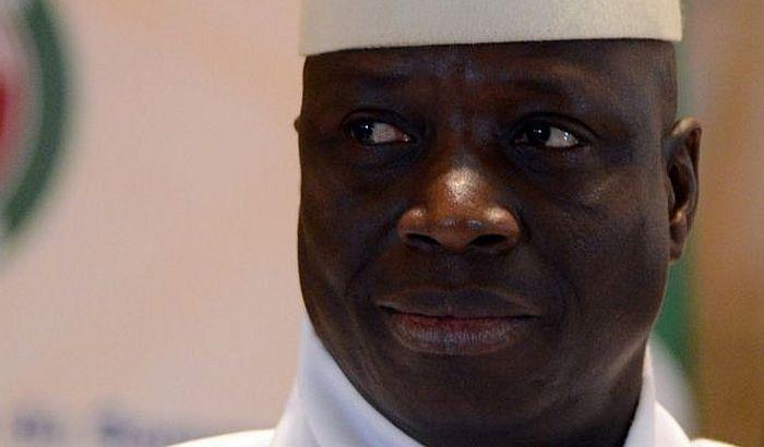 Bivši predsednik Gambije ispraznio državnu kasu i pobegao
