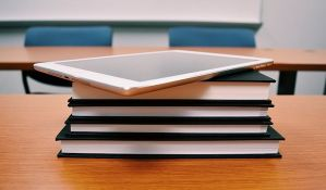 Za digitalizaciju obrazovnog procesa u Vojvodini 20 miliona dinara