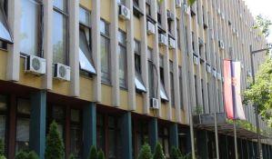 Protestovali ispred novosadskog suda zbog presude policajcu