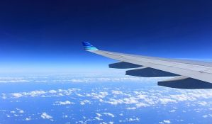 Eksplodirao motor aviona tokom leta, putnik poginuo