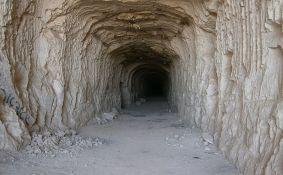 Dve godine kopali tunel da ukradu naftu, uhvaćeni tri metra pred cilj