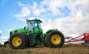 Američka policija sporo vijala traktor