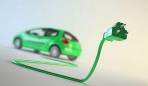 Na jesen na ulicama srpski automobil na struju