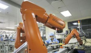 Otpustili 60.000 radnika i zamenili ih robotima