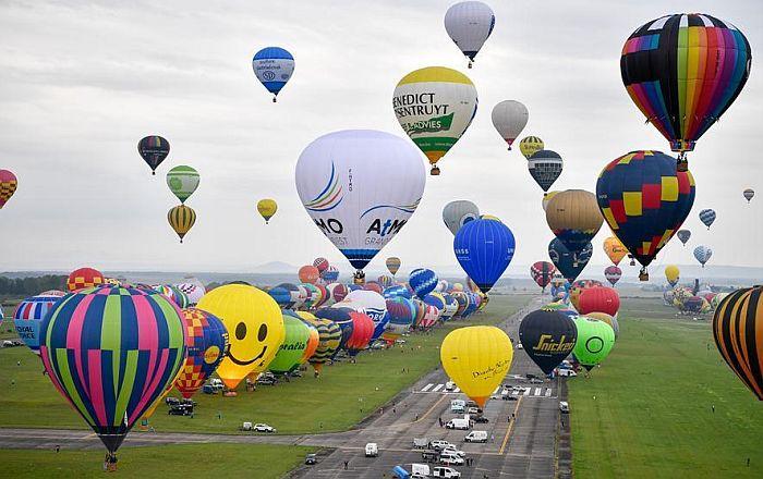VIDEO: Oboren rekord - pušteno 456 balona s vrelim vazduhom