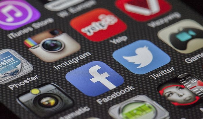 Postupak protiv 1.000 mladih zbog seksualog videa na Fejsbuku