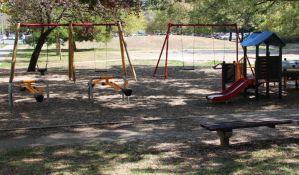 Nastavlja se uređenje još desetak dečijih igrališta
