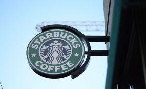 VIDEO: Zbog rasističkog incidenta u kafiću, radnici Starbaksa idu na obuku