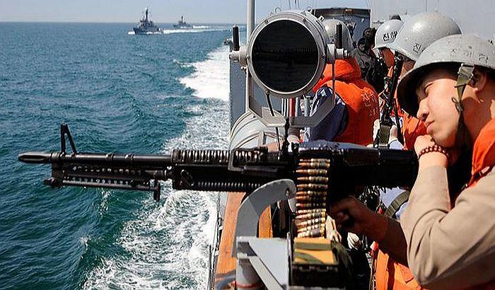 Hici upozorenja prema brodu Severne Koreje