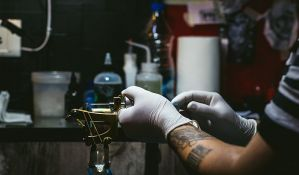 FOTO: Tetovirao mače