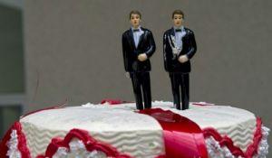 Najbolji prijatelji se venčali zbog poreza