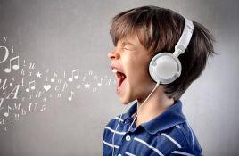 Muzika pomaže deci da bolje uče