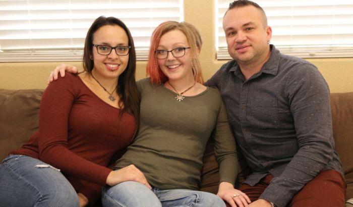 VIDEO: Razvode se da bi mogli da se venčaju zajedničkom devojkom