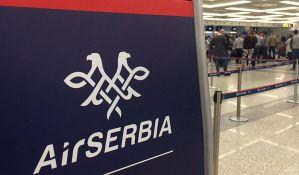 Avion Er Srbije sleteo zbog
