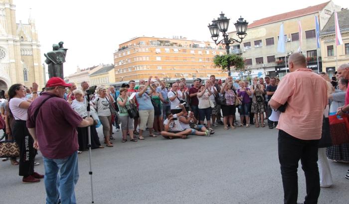 FOTO: Radnici DES-a protestovali ispred Gradske kuće; moguća radikalizacija štrajka