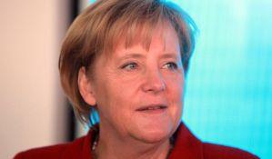 Angela Merkel ostaje na čelu CDU, 11 minuta aplauza