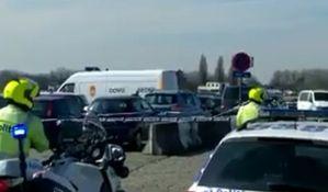 VIDEO: Pokušao kolima da uleti među pešake u Antverpenu