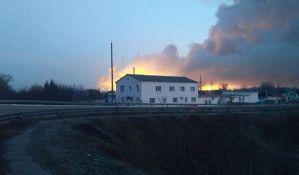 VIDEO: Veliki požar u skladištu municije u Ukrajini, evakuisan ceo grad