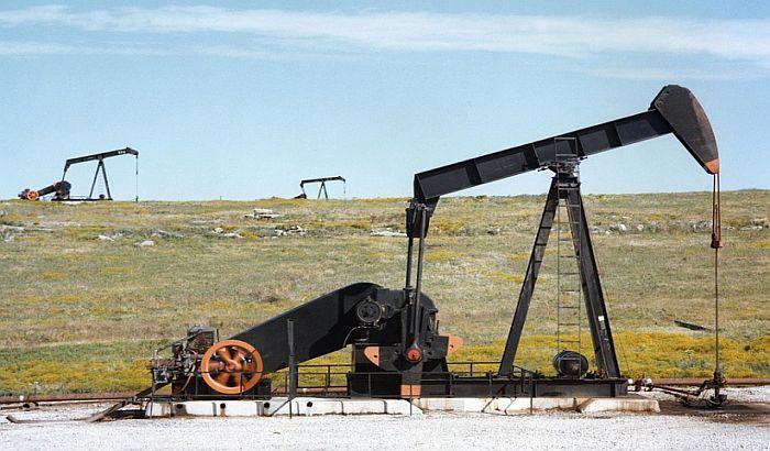 Optužuju NIS da uništava domaća naftna polja