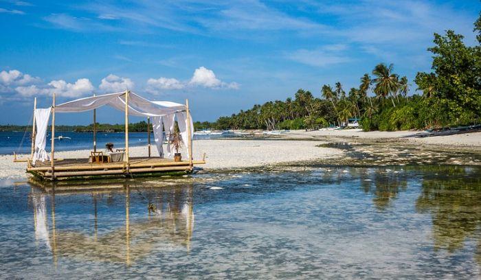Filipini zatvaraju poznato ostrvo zbog zagađenja