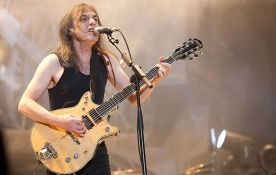 Preminuo gitarista i osnivač benda AC/DC Malkom Jang