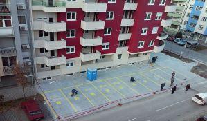 Umesto da postane javna površina, deo parcele na Detelinari pretvoren u privatni parking