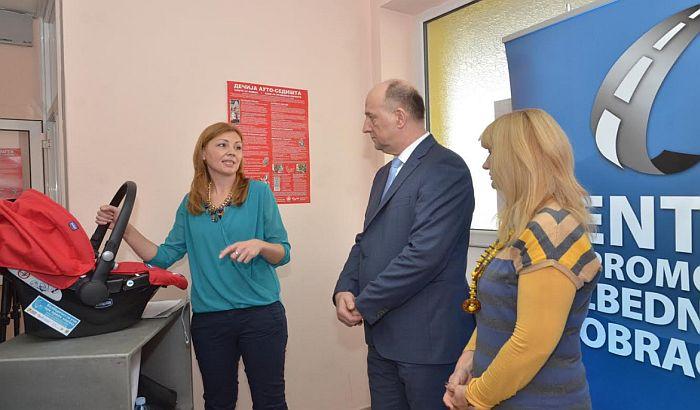 FOTO: Novi Sad dobio Kancelariju za dečija auto-sedišta