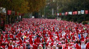 VIDEO: Hiljade Deda Mrazova trčalo u humanitarne svrhe
