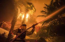 VIDEO: Požari divljaju Kalifornijom, uništeno 1.000 kuća