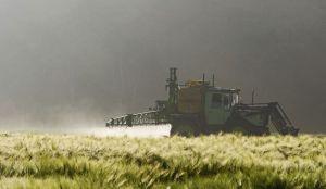 Sporan pesticid čije korišćenje je EU produžila, u upotrebi i u Srbiji