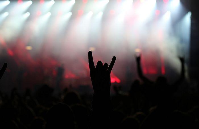 Pobegli iz doma i otišli na hevi metal festival
