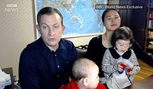 VIDEO -  Profesor o snimku koji je zabavio svet: Kako su mi deca ušetala u kadar