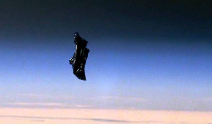 VIDEO:  Pet čudnih predmeta koji kruže oko Zemlje