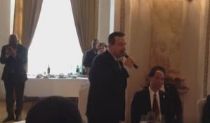 VIDEO: Dačić pevao
