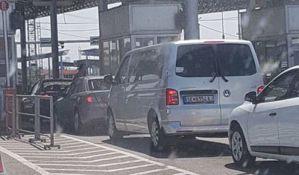 Na ulazak u Grčku čeka se satima, izbili i incidenti