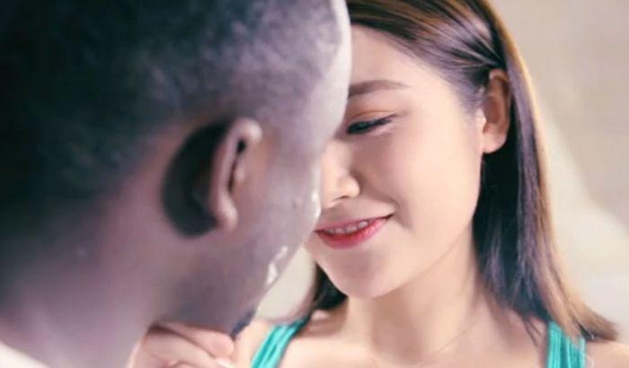VIDEO: Ovo je proglašeno najgorom rasističkom reklamom svih vremena