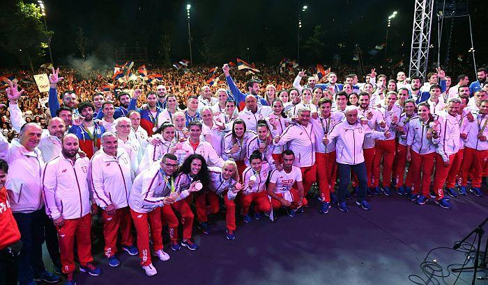 FOTO: Više od 20.000 ljudi dočekalo olimpijce