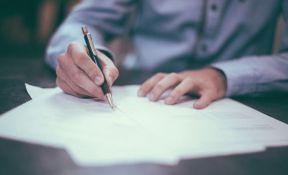 Da li su zarade notara prevelike?